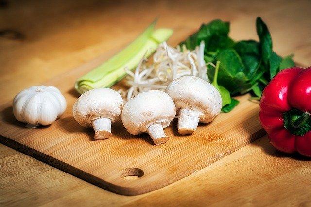 zelenina na prkénku